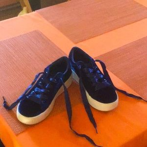 Deep blue velvet sneakers with wide ribbon laces